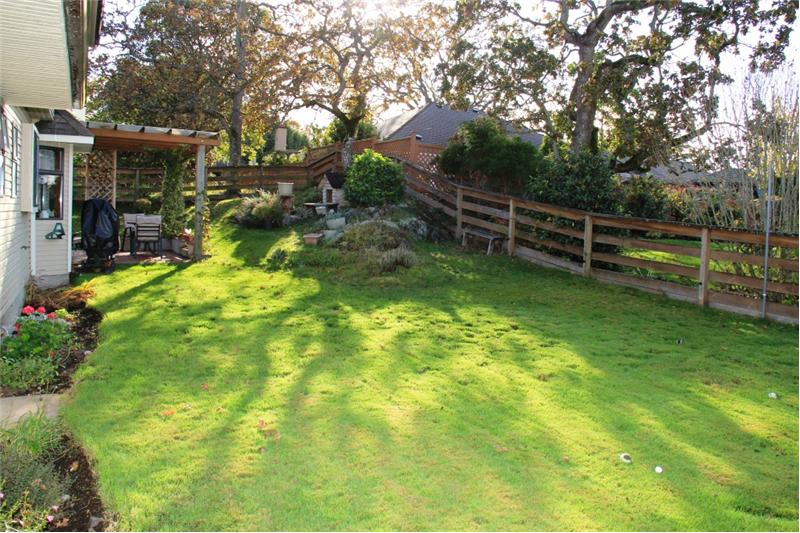 3990 Cedar Hill Rd. Saanich BC, Great Back yard