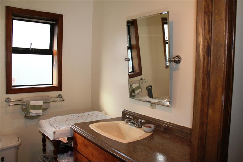 3990 Cedar Hill Rd. Saanich BC, suite bathroom