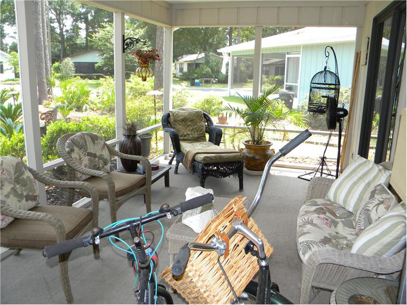 Large Screened Lanai