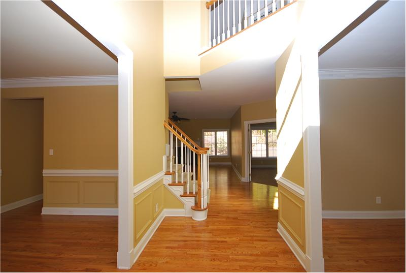 Dramatic entry - hardwoods everywhere!