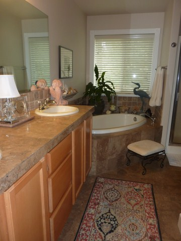 Master Bath w/ Travertine Tiles