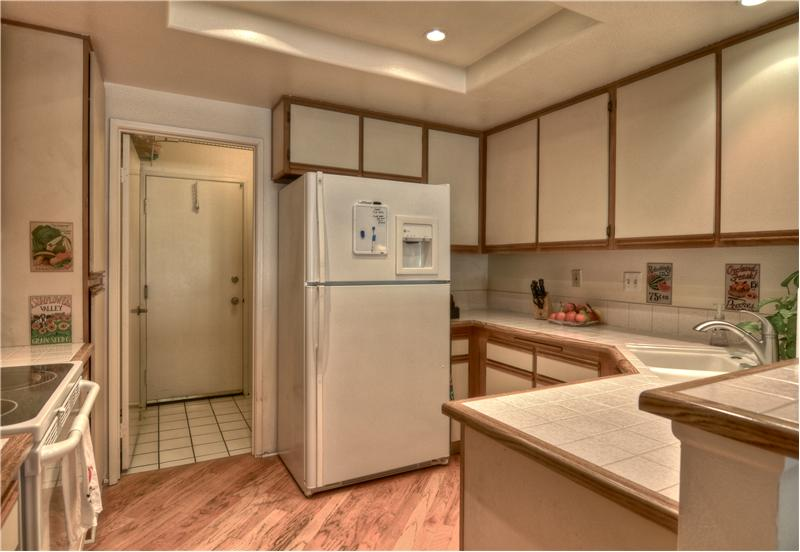 Upgraded Recessed Lighting, Ample Counter & Cabinetry ~ Refrigerator Stays!