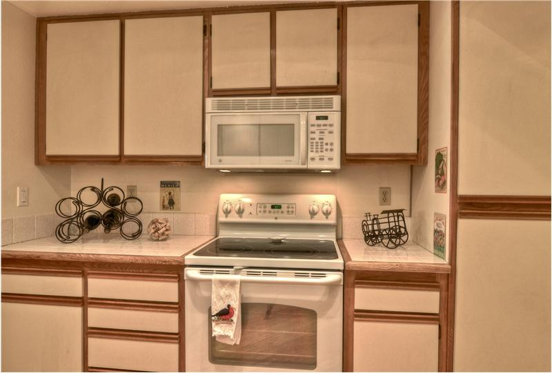 Newer White-on-White Range/Oven, Microwave & Dishwasher