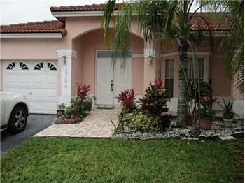  5769 NW 99 AV, DORAL, FL