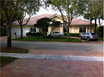  3349 Laurel Oak St, Hollywood, FL