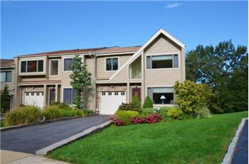 11  Blydenburgh Ct, Northport, NY