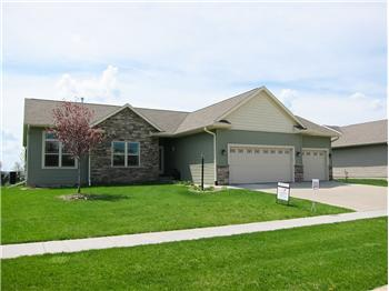 755  Berkshire Ln, North Liberty, IA