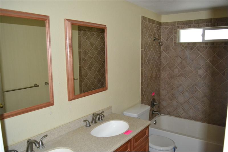 Double sink in full bathroom