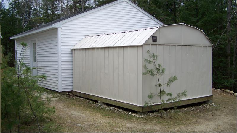 2 gar detached garage w heated work area