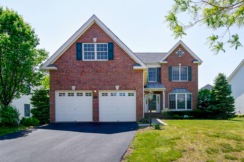 Beautiful brick front home w/2 bay garage