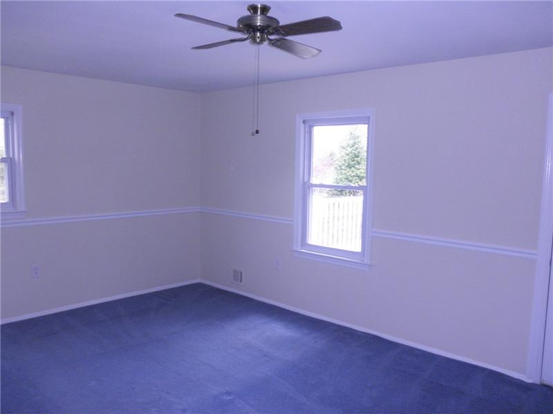 Bedroom Master with ceiling fan
