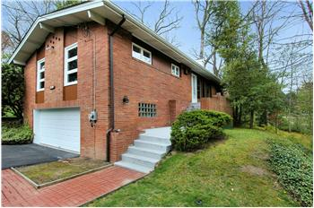  329 Forestwood Drive, Gibsonia, PA