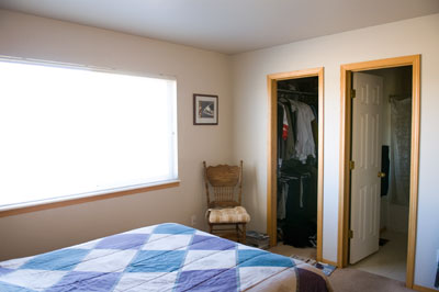 Master bedroom w/ walk in closet and full bath