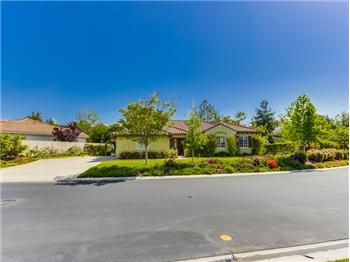 808 Inverlochy Dr., Fallbrook, CA