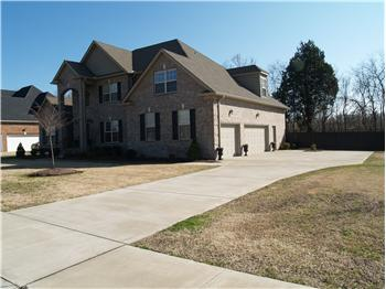  213 McClaran Place, Murfreesboro, TN