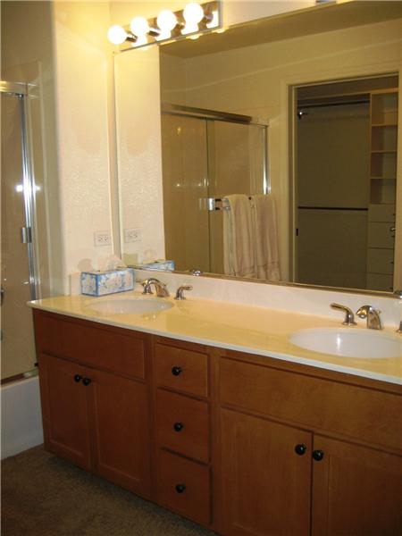 Master Bathroom - Dual Sinks