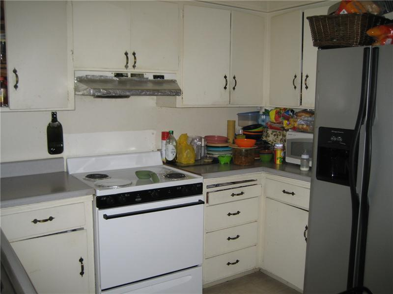 1295 Kitchen