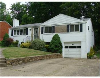  5131 S Passage, Whitehall, PA