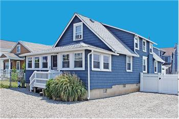 110 w 26th street ship bottom nj 08008 presented by for Dormered cape