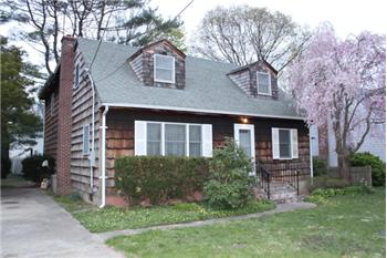  10 Oak Avenue, Huntington Station, NY