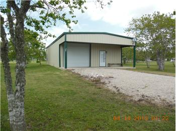 690  CR 231, Wadsworth, TX