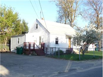  339 Oak Hill Rd, Fitchburg, MA